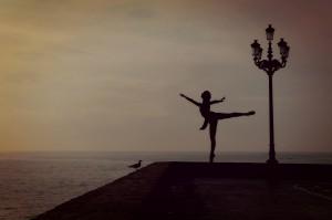 dancer-1489686_1920